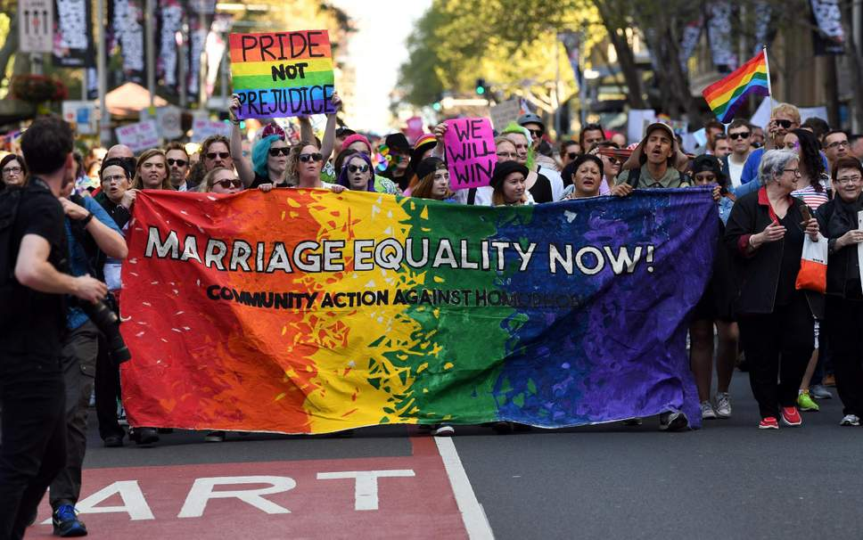 Bermuda court reverses gay marriage ban